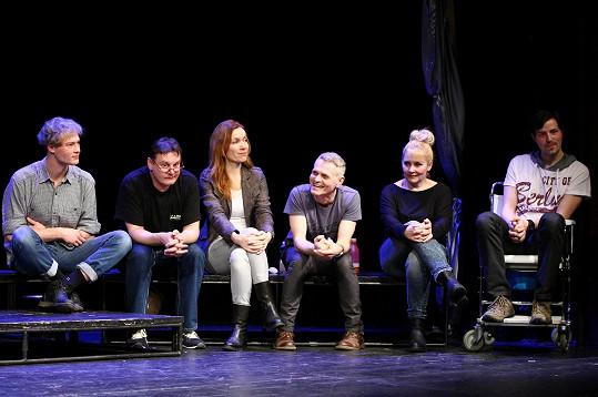 Jachnická s kolegy na představení Noci bláznů