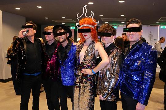 Žofie Dařbujánová se členy své kapely