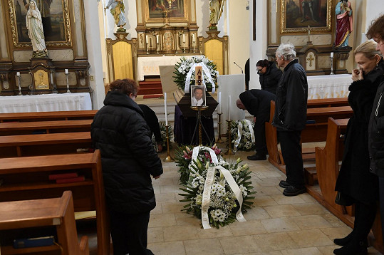 Obřad se koná v kostele sv. Ludmily v Horních Počernicích.