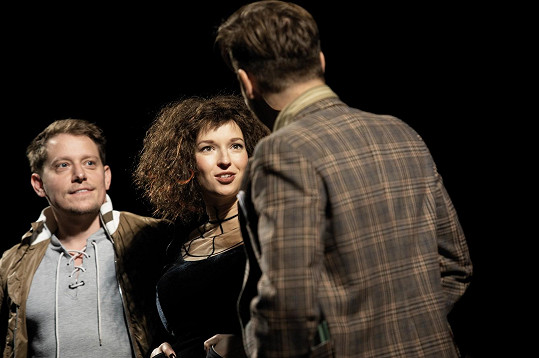 Berenika Kohoutová má Saxanu nazkoušenou, kvůli náročným choreografiím ji ale zatím přenechá kolegyni. Na snímku se Štěpánem Benonim.