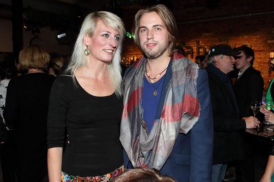Po boku přítelkyně Anny Polívkové Kurtiš přibral.