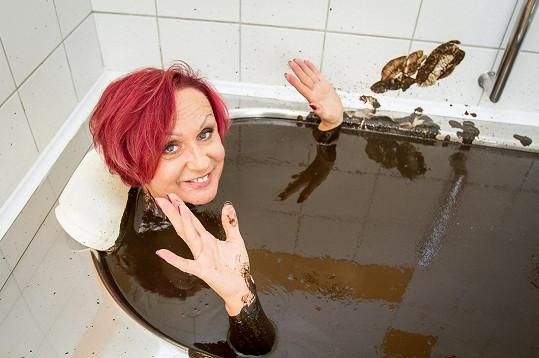 Konec prázdnin se posledních dvacet let u zpěvačky nese ve znamení masáží a bahenních koupelí.