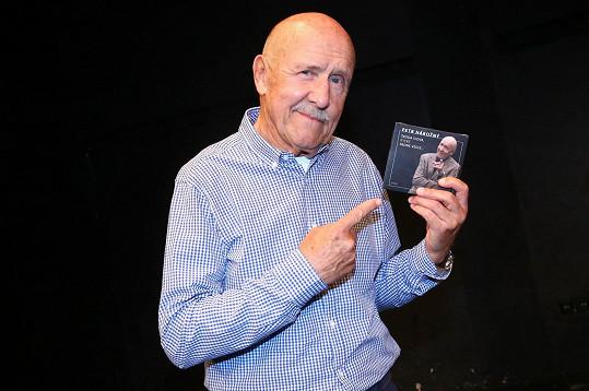 Petr Nárožný pokřtil dvojalbum svých memoárů.