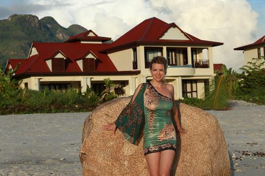 Jana má své zázemí na Eden Island na Seychelách.