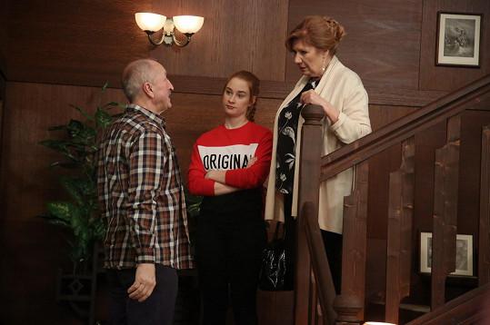 Oldřich Navrátil a jeho seriálová vnučka Natálie Halouzková