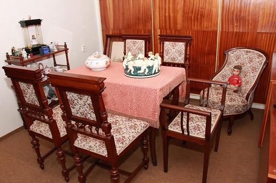 Zpěvačka je sběratelkou starožitného porcelánu i nábytku.