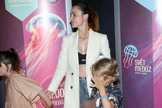 S dcerou Elou a synem Jonatánem na otevření nové části Světa medúz