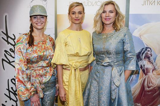 Leona na představení nové kolekce s kolegyněmi Ivanou Jirešovou a Hankou Kynychovou.