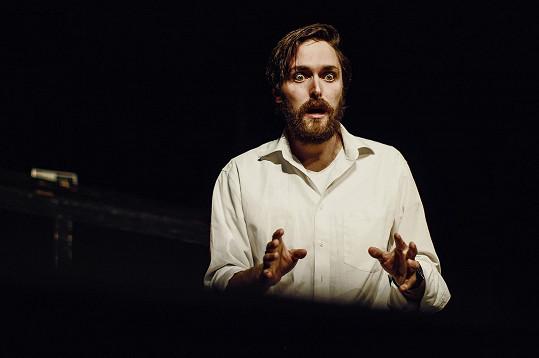 Karel v divadelní hře Na konci světa