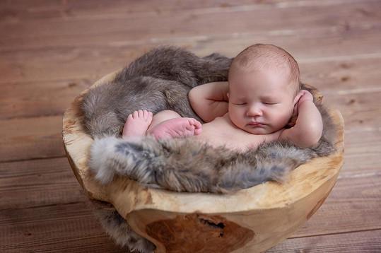 Syn Dominiky Mesarošové se jmenuje Elián.