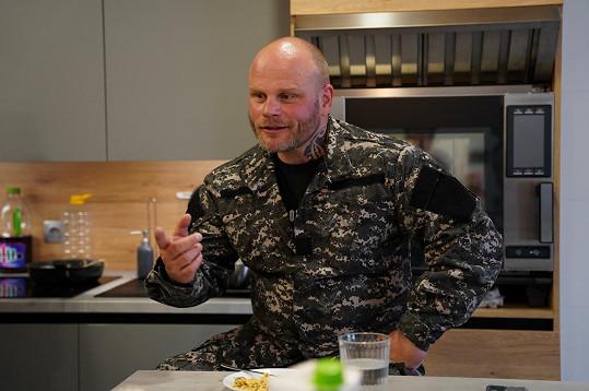 Strážník Petr Reif dal partě influencerů pořádně zabrat.
