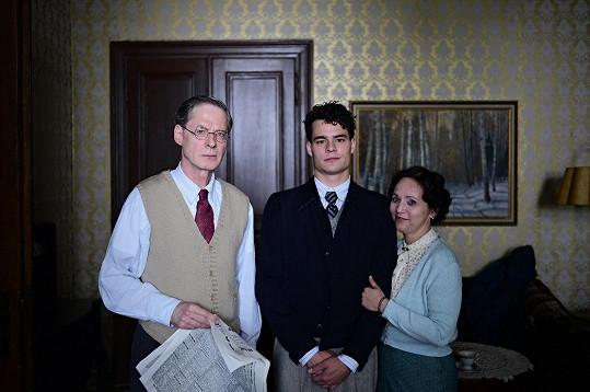 Alena Mihulová ve filmu ztvárnila maminku mladého právníka asportovce Franty, kterého hraje Filip Březina.
