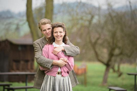 Ve filmu mu hrála partnerku jeho skutečná přítelkyně Simona.