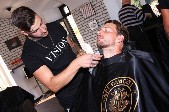 Na otevření barber shopu
