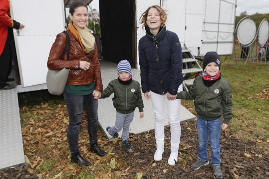 Míša vyrazila do cirkusu na Hagibor se sestrou a synovci.