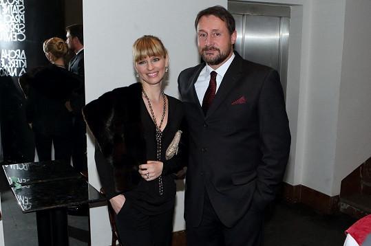 Pavla Charvátová s manželem na Cenách české filmové kritiky