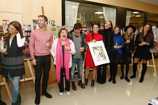 Jiřina Bohdalová se stala kmotrou kalendáře, který pro centrum nafotily další známé tváře.