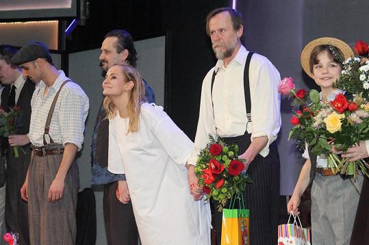Monika na děkovačce muzikálu Evita