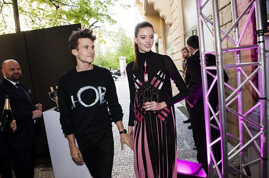 Bára Podzimková zářila na otevření butiku s novým přítelem Albertem Černým.