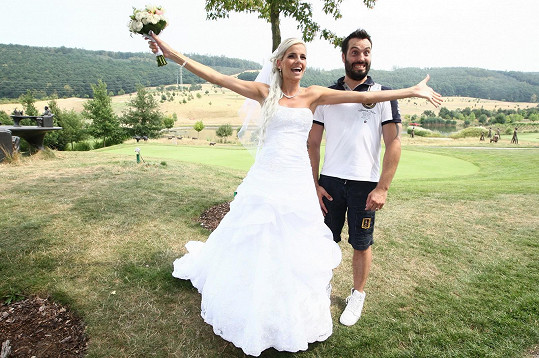 Obrovskou radost udělal místní nevěstě.
