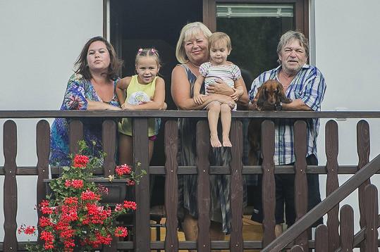 Roman Skamene s rodinkou