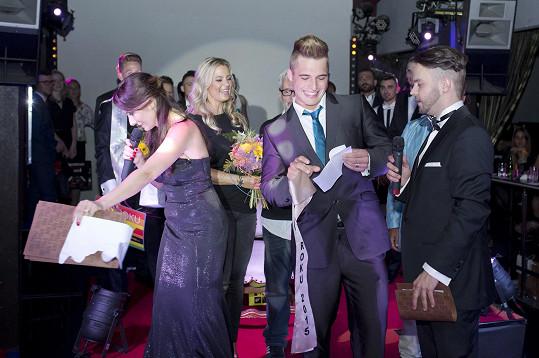 Vítěze vyhlašoval Klaus Burkart, který získal 2. května v Jihoafrické republice titul Mr. Gay World 2015.
