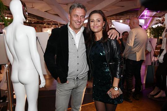 Jedna z iniciátorek projektu Jsem kým jsem, módní návrhářka Michaela Skuhravá, s Alanem Babickým