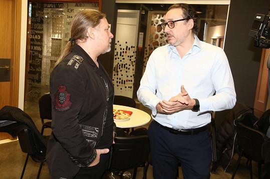 S kolegou Marianem Vojtkem na natáčení jednoho z online koncertů