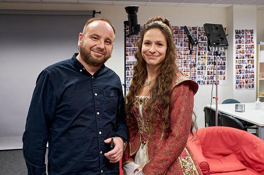 Veronika Khek Kubařová se představí v roli královny. Na snímku s režisérem Ivem Macharáčkem