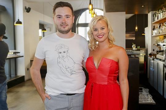 S módním návrhářem Dominikem Navrátilem zapracovala na kolekci s názvem PSXDN herečka Patricie Solaříková.