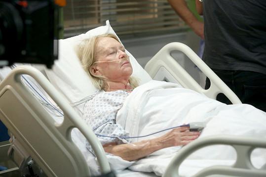 Roli po ní převzala Kateřina Macháčková. První natáčecí dny strávila v posteli.