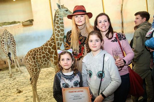 Iva Pazderková strávila krásný den v pražské zoo se sestrou a neteřemi.