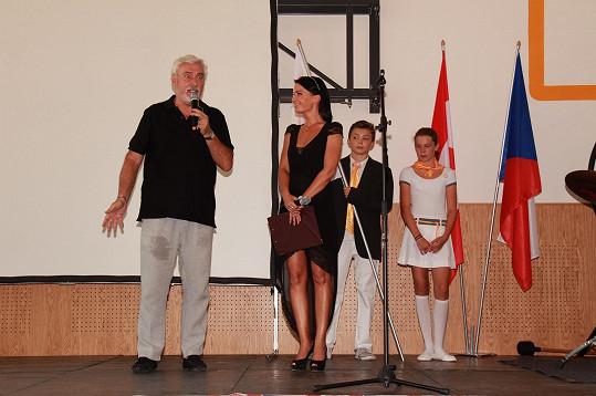 Gabriela Partyšová otevření moderovala, Jan Rosák byl kmotrem.