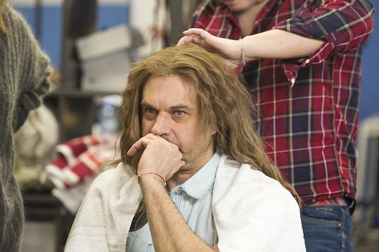 Vlasy jsou Vojtkovou chloubou, i ty 'Petrovy' musely být perfektní.
