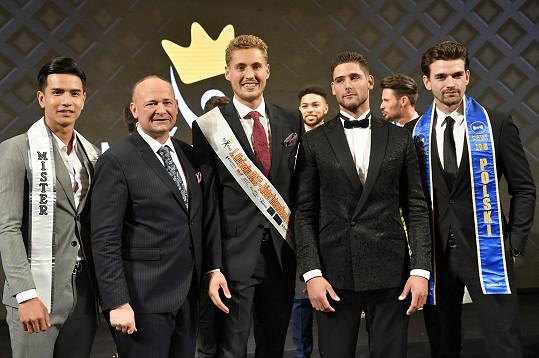 Fotil se i s Mr. International, loňským Mužem roku a nejkrásnějším mužem Polska.
