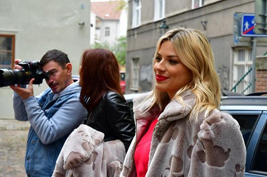 Focení pod taktovkou Artura Koffa probíhalo nedaleko butiku návrhářky v centru Prahy.