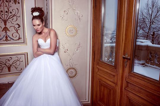 Renáta při focení svatební kolekce