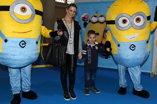 Monika Marešová vzala mladšího syna Matěje na veletrh hraček.