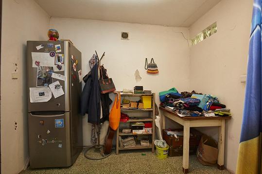 Na opravy nejsou peníze a dům je po záplavách v dezolátním stavu.