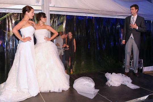 Lenka Zahradnická, Kristýna Janáčková a Radúz Mácha si zahráli na seriál Svatby v Benátkách.