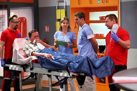 Baselides si zahrál epizodní roli pacienta.