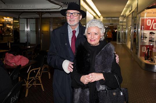 S Ladislavem Frejem si nenechali ujít premiéru muzikálu Zasněžená romance.