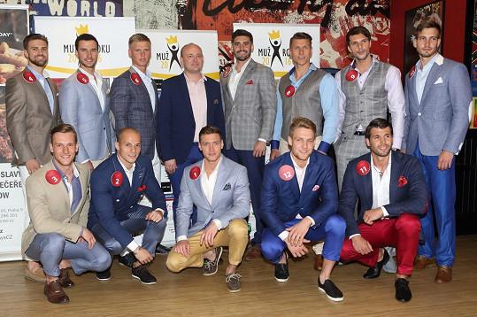 Pánové se hodili do gala.