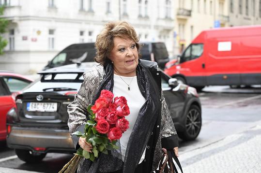 Zavzpomínat na hereckého kolegu přišla i Jiřina Bohdalová.