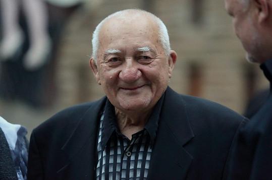Zdeněk Srstka zemřel v pondělí ráno.