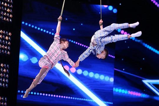 Ukrajinští akrobaté Katya a Nikita bohužel ve finále kvůli zranění nevystoupili.