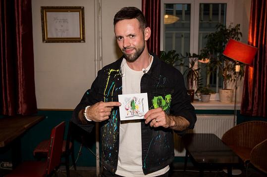 Michael Foret se pochlubil debutovým albem svého projektu MikAel.