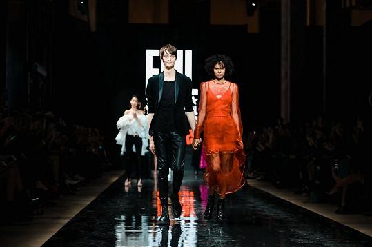 Vítězové světového finále Elite Model Look v Paříži Andrej Chamula, Yireh Fernanda.