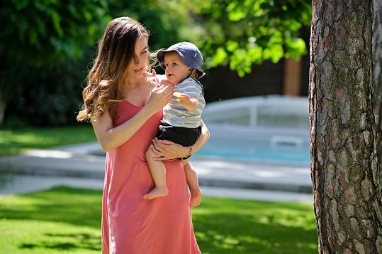Tereza jako maminka dokáže lépe finančně zabezpečit rodinu.