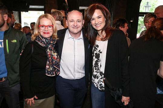 S jejím ředitelem Davidem Novotným a Klárou Doležalovou, která bude moderovat finálový večer v srpnu v Náchodě.